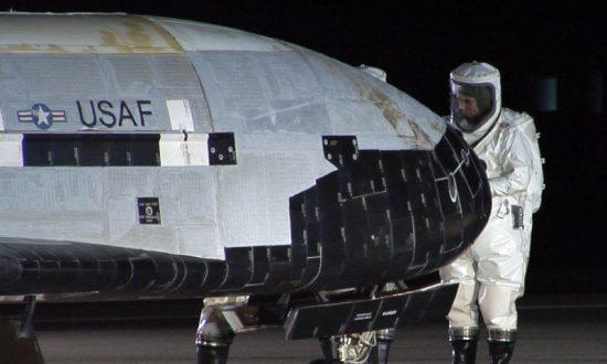 Unmanned US Air Force Space Plane Lands After Secret Mission