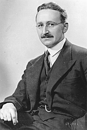 Friedrich von Hayek (1899–1992), Austrian school economist.