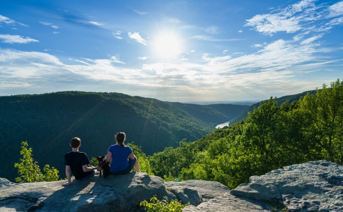 The Cheat River Canyon from Raven Rock in Coopers Rock State Forest West Virginia.  (Steve Heap/Shutterstock)