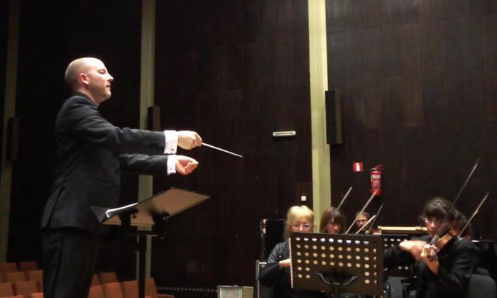 Tim Ribchester conducting in Vidin, Bulgaria in October. (Courtesy of Tim Ribchester)