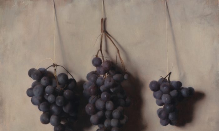 """Concord Grapes,"" 2016, by Carlo Russo. Oil on linen, 12 inches by 14 inches, private collection. (Courtesy of Carlo Russo)"