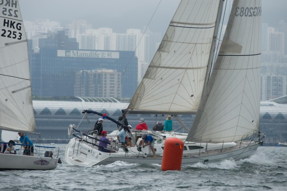 'Scintilla' competing in the RHKYC Spring REgatta in Victoria Harbour on May 20, 2017. (Bill Cox/Epoch Times)