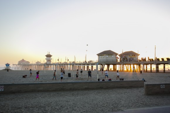 At 1,850 feet long, Huntington Beach Pier seems to jut right into the sunset. (Channaly Philipp/The Epoch Times)