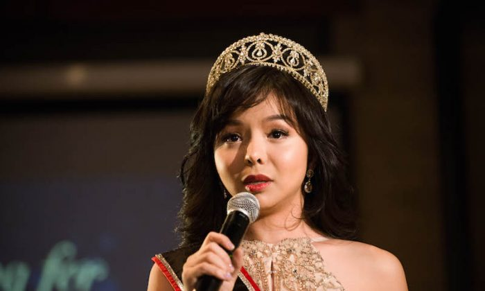 Miss World Canada Anastasia Lin speaks to her supporters at an event in her honour at the Spoke Club in downtown Toronto on Dec. 15, 2015. (Matthew Little/Epoch Times)