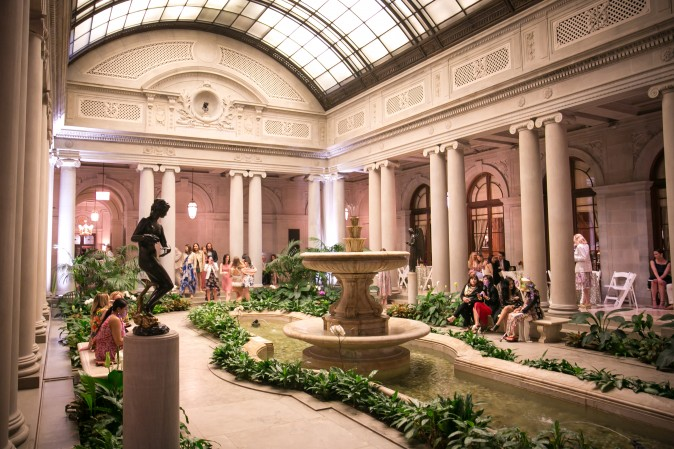 The Frick's Garden Court during the Spring Garden Party.  (Benjamin Chasteen/The Epoch Times)