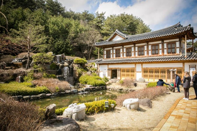 A museum all about Korea's culinary history at the Jeong Gang Won, the Institute of Traditional Korean Cuisine.  (Benjamin Chasteen/The Epoch Times)