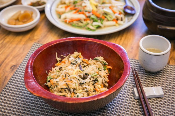 Bibimbap served at the The Jeong Gang Won institute.  (Benjamin Chasteen/The Epoch Times)