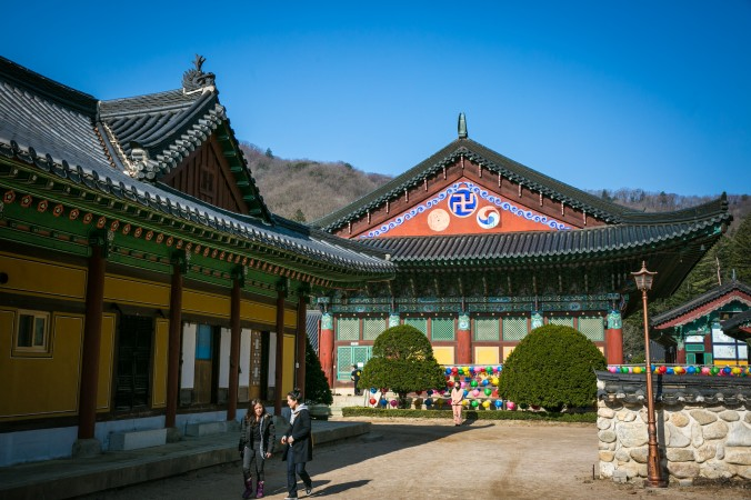 Temples at the Woljeongsa Temple Stay. (Benjamin Chasteen/The Epoch Times)