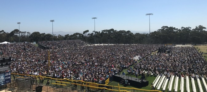UCSD's RIMAC field filled with about 25,000 people for the Dalai Lama's public address on June 16. (Sophia Fang/Epoch Times)