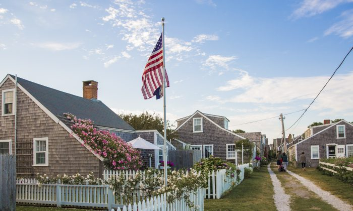 The village of 'Sconset, at the far eastern end of Nantucket Island, is known for its rose-covered cottages. (Samira Bouaou/The Epoch Times)