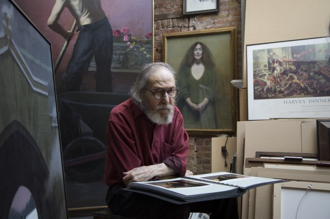 Artist Harvey Dinnerstein in his studio in Brooklyn, New York, on May 31, 2017. (Samira Bouaou/The Epoch Times)