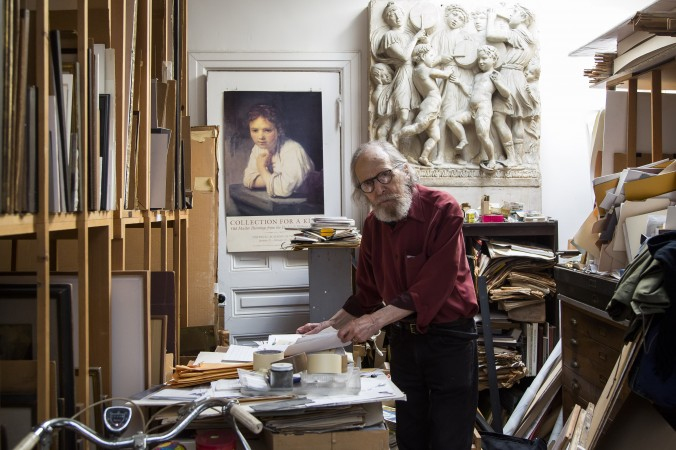 Artist Harvey Dinnerstein in his studio in Brooklyn, New York, on May 31, 2017. (Samira Bouaou/The Epoch Times)