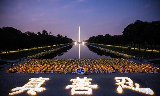 Falun Dafa Practitioners Honor Victims of Persecution