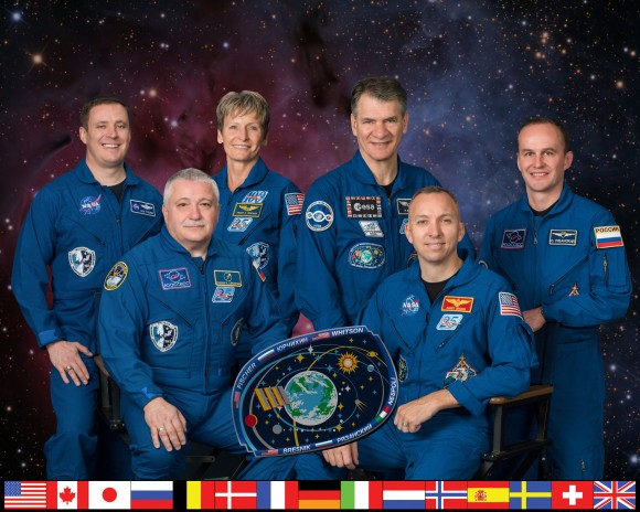 Expedition 52 crew members. Front row, L-R: Commander Fyodor Yurchikhin and NASA astronaut Randy Bresnik. Back row, L-R: NASA astronauts Jack Fischer and Peggy Whitson, European Space Agency astronaut Paolo Nespoli and Roscosmos cosmonaut Sergey Ryazanskiy. (NASA)