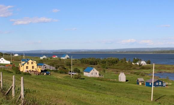 Colourful homes on Île Verte. (Janna Graber)