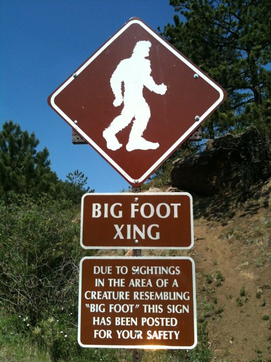 A sign on Pikes Peak Highway in Colorado.  (Wikimedia Commons)