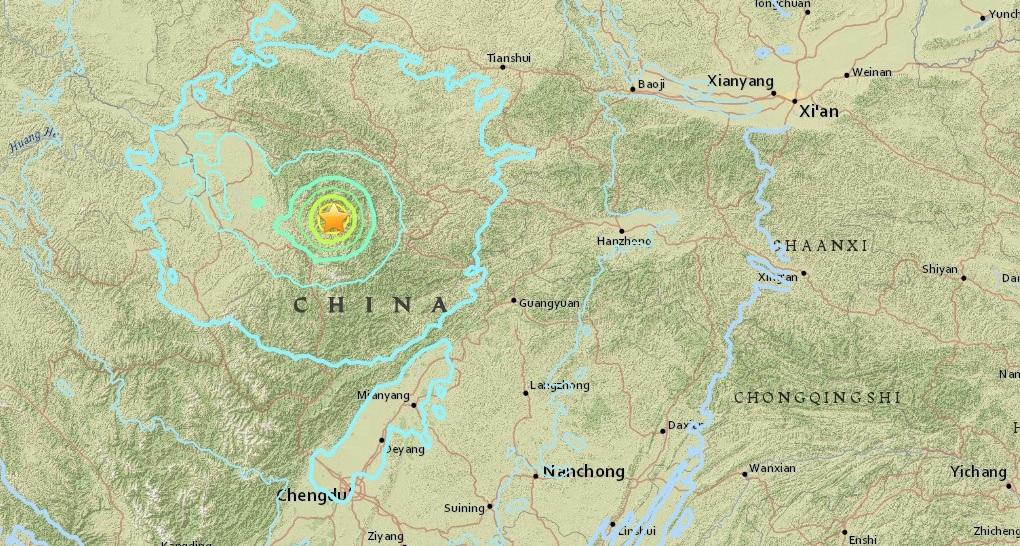 2 Quakes Rock China, Killing at Least 2 Tourists, 45,000 Tourists Evacuated