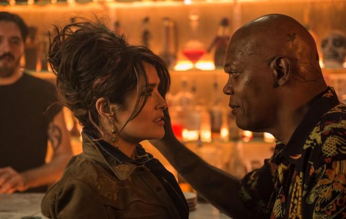 (L–R) Sonia Kincaid (Salma Hayek) and Darius Kincaid (Samuel L Jackson) as love-struck but deadly spouses in