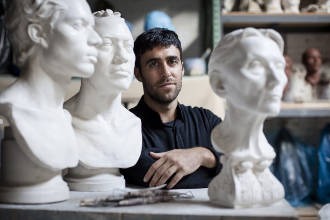 Sculptor Charlie Mostow at Grand Central Atelier in Queens, New York, on Aug. 3, 2017. (Samira Bouaou/The Epoch Times)