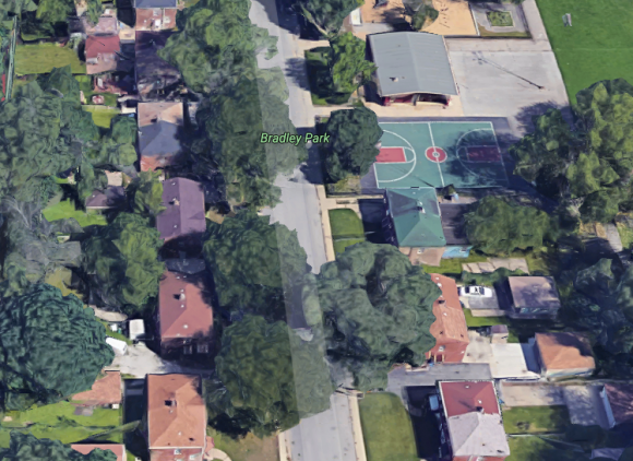 Basketball court in Bradley Park in Chicago. (Google Maps)