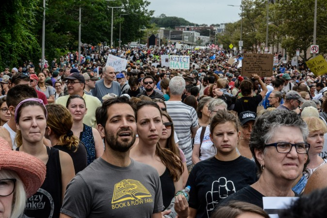 A large crowd of people gathers ahead of the Boston Free Speech Rally in Boston, Massachusetts, U.S., August 19, 2017. REUTERS/Stephanie Keith