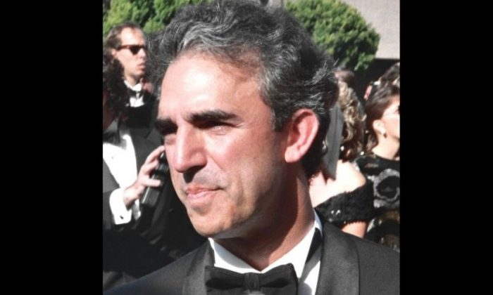 Jay Thomas at the 44th Primetime Emmy Awards in 1992 (Creative Commons)
