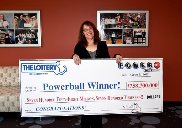 Mavis Wanczyk of Chicopee, Massachusetts, the winner of the $758.7 million Powerball jackpot is pictured in Braintree, Massachusetts, U.S. in this August 24, 2017 handout photo.  (Massachusetts State Lottery/Handout via REUTERS)