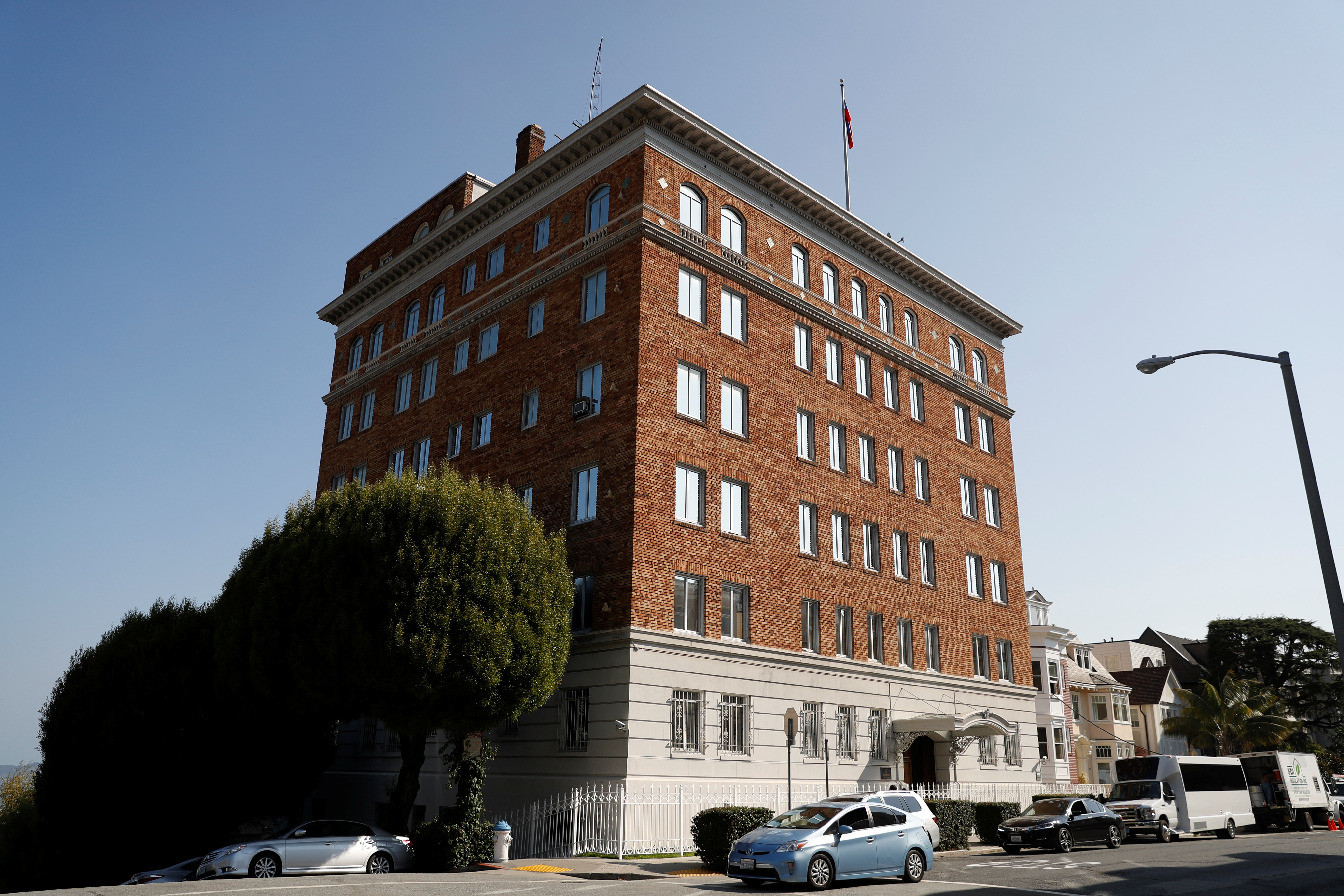 The entrance to the building of the Consulate General of Russia is shown in San Francisco, Calif., on August 31, 2017.   (REUTERS/Stephen Lam)
