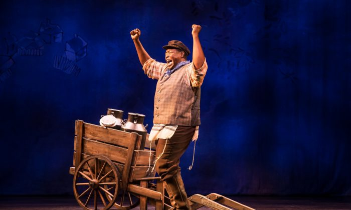 """Chuck Cooper delivers powerful performances in """"Prince of Broadway,"""" in old favorites such as """"If I Were a Rich Man"""" from """"Fiddler on the Roof."""" (Matthew Murphy)"""