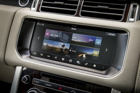"InControl 10"" touchscreen. (Courtesy of Land Rover)"
