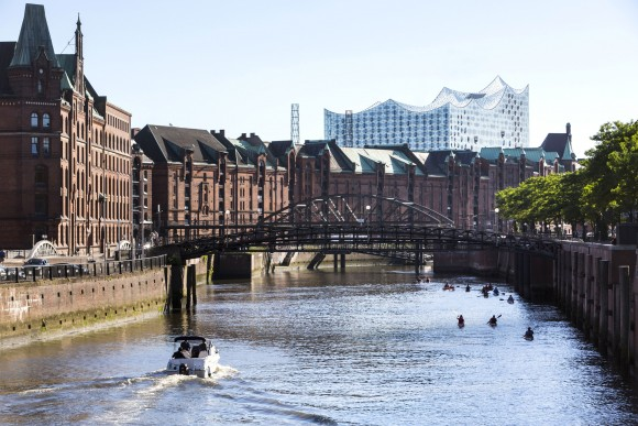 The Alster river, with the top of the Elbphilharmonie concert hall in the background. (Hamburg Marketing)