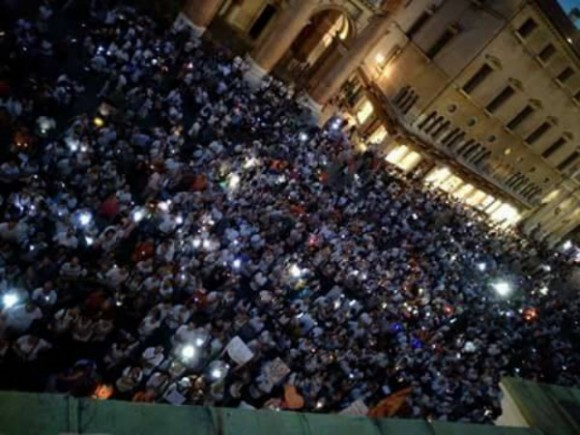 Italians protesting mandatory vaccinations in July 2017. (Courtesy of World Mercury Project)