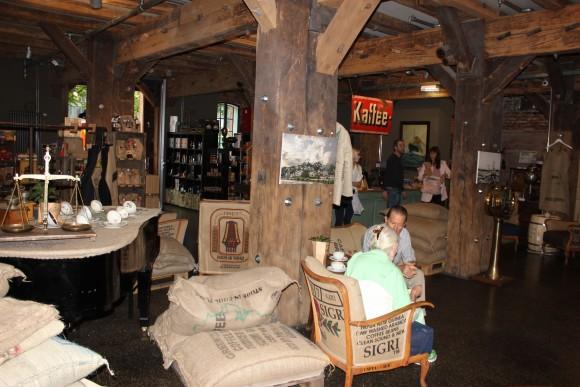 A warehouse converted into a café in Speicherstadt. (Wibke Carter)