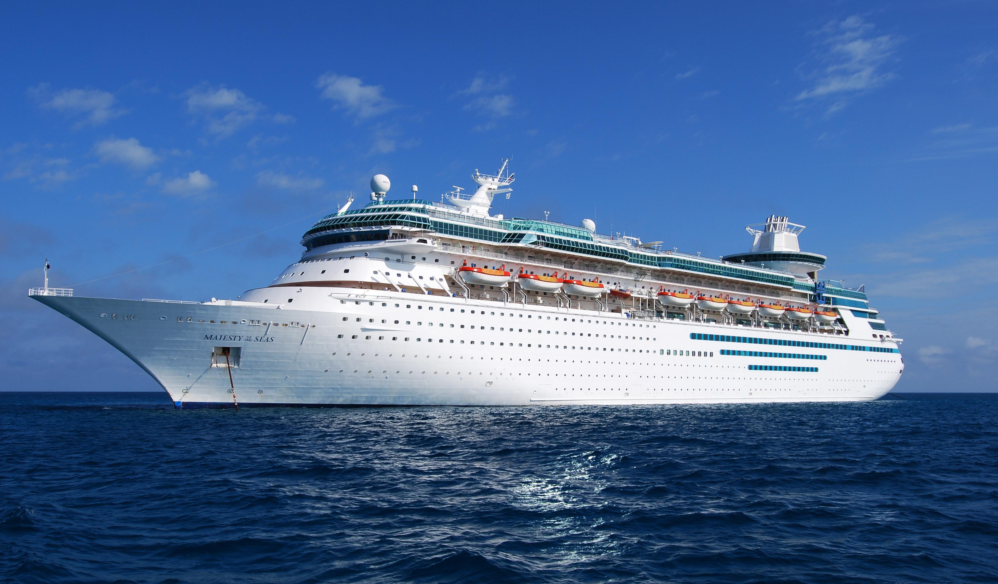 Majesty of the Seas cruise ship. (Matt H. Wade/CC-BY-SA-3.0)