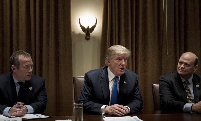 President Donald Trump addresses a meeting with lawmakers in the Cabinet Room of the White House on Sept. 13, 2017. (BRENDAN SMIALOWSKI/AFP/Getty Images)