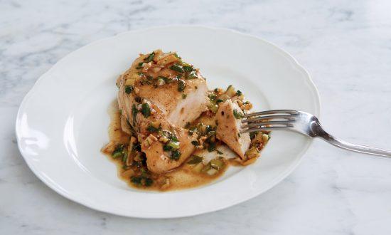 Chicken Suprêmes in Persillade