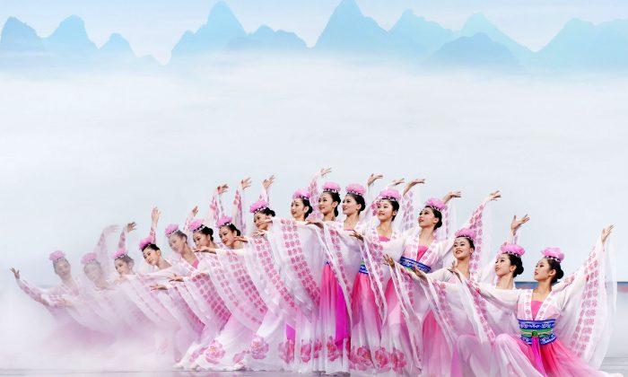 "Shen Yun dancers perform ""Flower Fairies."" (Shen Yun Performing Arts)"