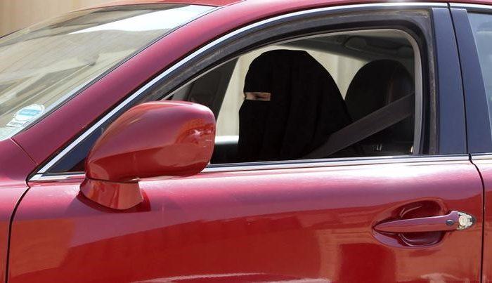 A woman drives a car in Saudi Arabia on October 22, 2013. (REUTERS/Faisal Al Nasser)