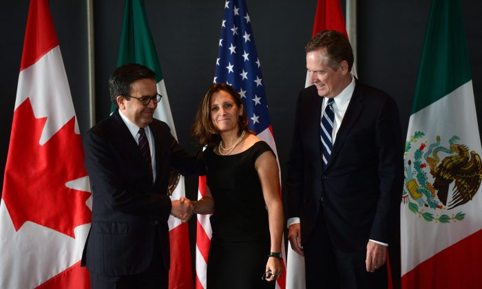 Canada's Minister of Foreign Affairs Chrystia Freeland meets for a press conference with Mexico's Secretary of Economy Ildefonso Guajardo Villarreal (L) and Robert E. Lighthizer, United States Trade Representative on Sept. 27, 2017 in Ottawa. (The Canadian Press/Sean Kilpatrick)