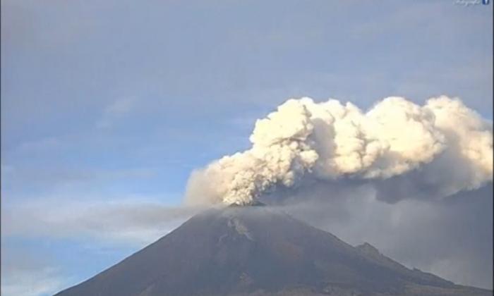 Mexico's Popocatepetl volcano erupts on Sept. 27, 2017. (Screenshot/Reuters)