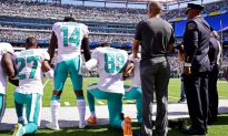 Dolphins Owner: It's 'Incumbent' on Players to 'Stand and Salute' Flag
