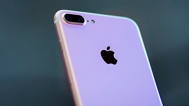 An iPhone 7 Plus with its new dual camera is displayed at Puerta del Sol Apple Store. (Gonzalo Arroyo Moreno/Getty Images)