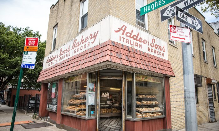 Addeo Bakery in the Little Italy neighborhood of the Bronx. (Benjamin Chasteen/The Epoch Times)