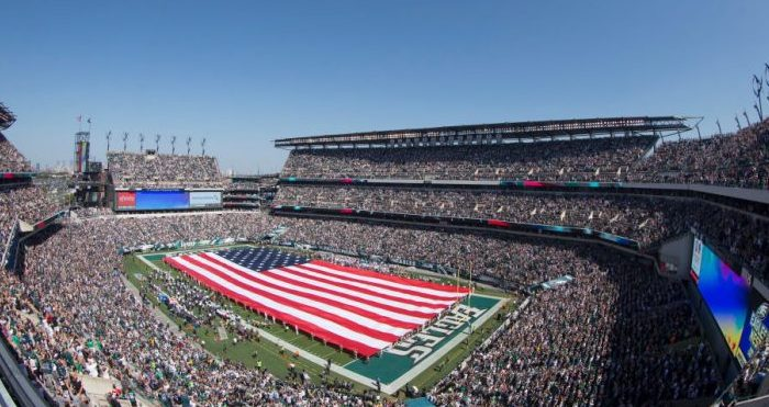 A general view of Lincoln Financial Field during the national anthem prior to the game between the New York Giants and Philadelphia Eagles in Philadelphia, Pennsylvania, on Sept. 24, 2017. (Mitchell Leff/Getty Images)