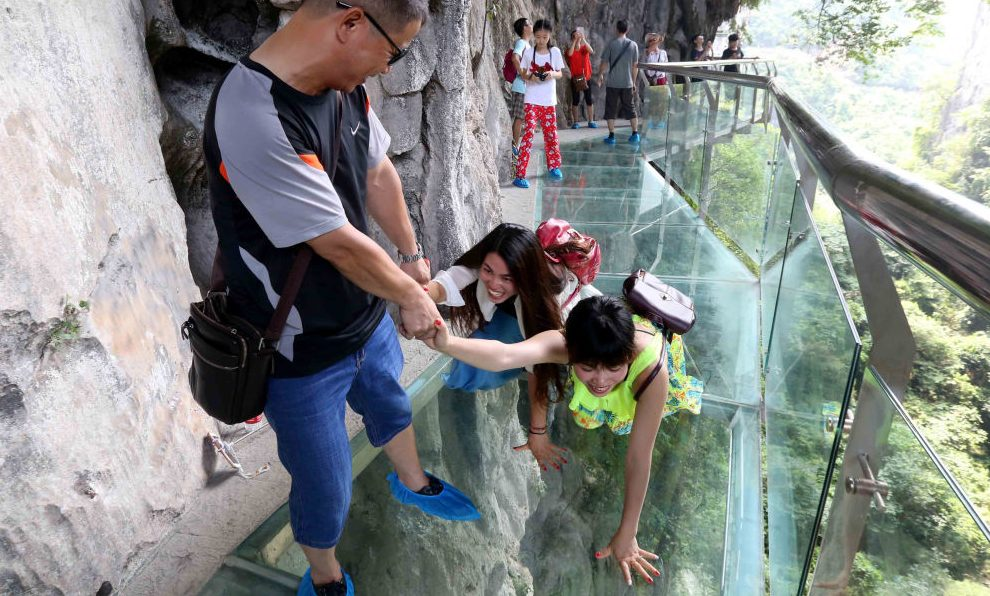The Glass Bridge In China That S Made To Crack Under