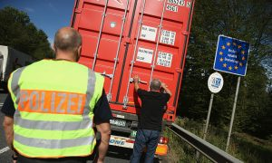 Keep Internal EU Border Checks to Combat Terrorism, Say Germany, France and Austria