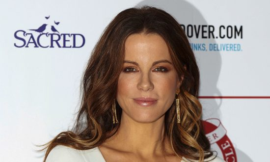 Actress Kate Beckinsale: Harvey Weinstein Offered Me Alcohol in His Room When I Was 17