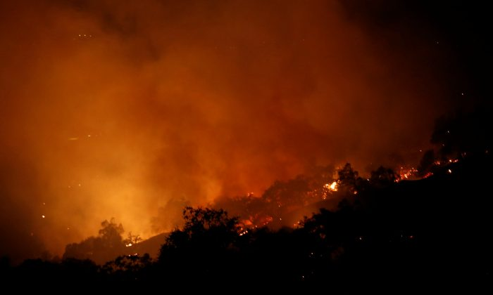 The Pocket wildfire burns in the hills above Geyserville, Calif., on Oct. 13, 2017. (Reuters/Jim Urquhart)