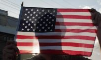 Roofers in Maine Stop in Middle of Work to Respect National Anthem