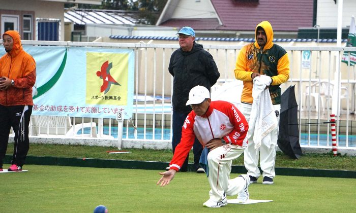Hong Kong skipper Kenny Tam tried hard at the 3rd place play-off against United Arab Emirates at the 5th Japan International Open last Monday, October 16. The team did not perform well under the cold and wet condition and lost the game 11:5 to settle for fourth place. (Claudius Lam)